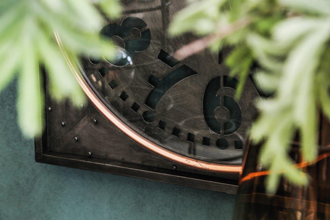 Clock Devan noir détaille