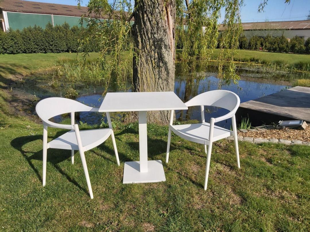 Klaptafeltje Prada met stapelstoelen Monia of Julia